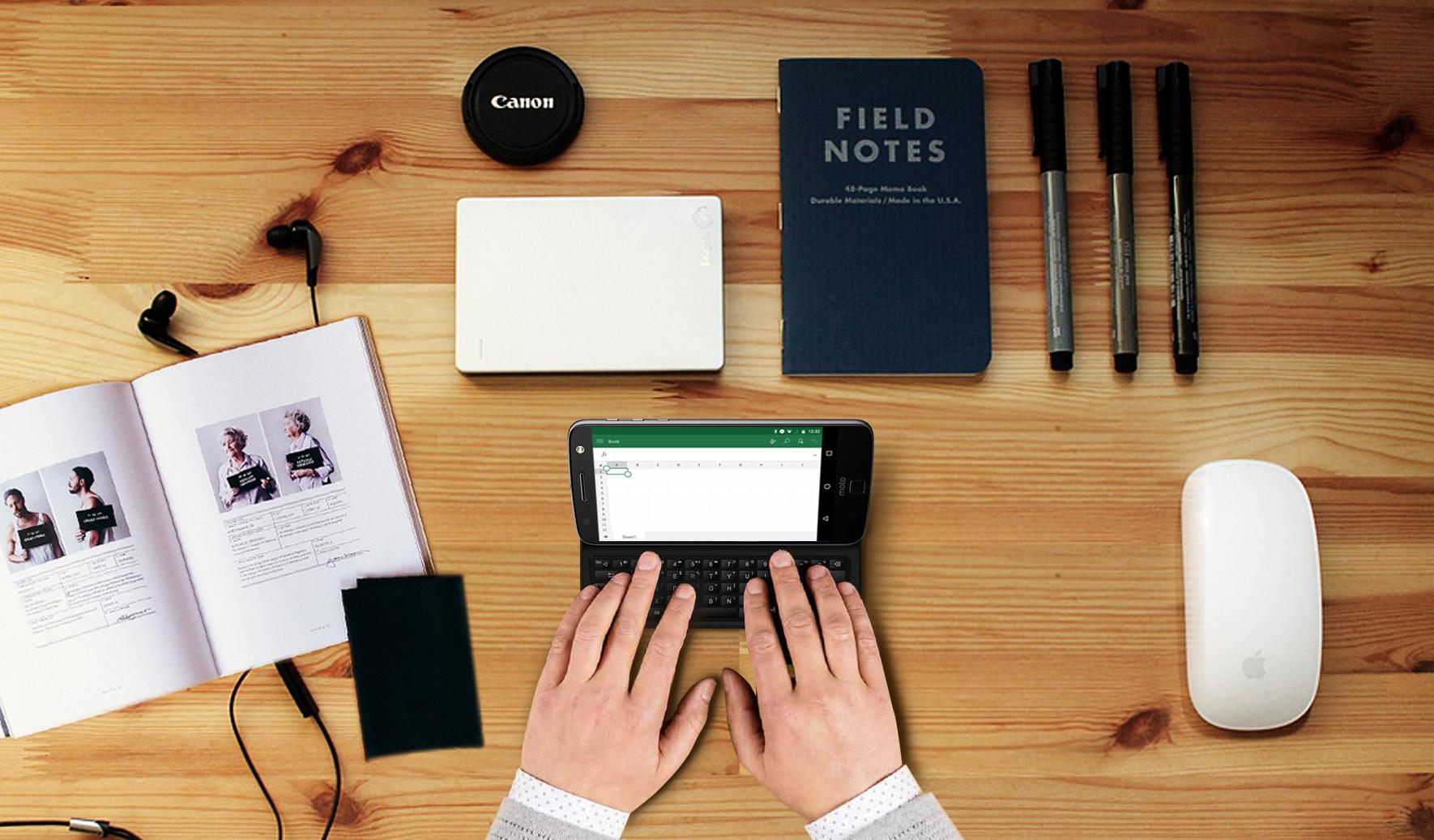 Новый Moto модуль с QWERTY клавиатурой, для тех, кто скучает по Motorola Droid