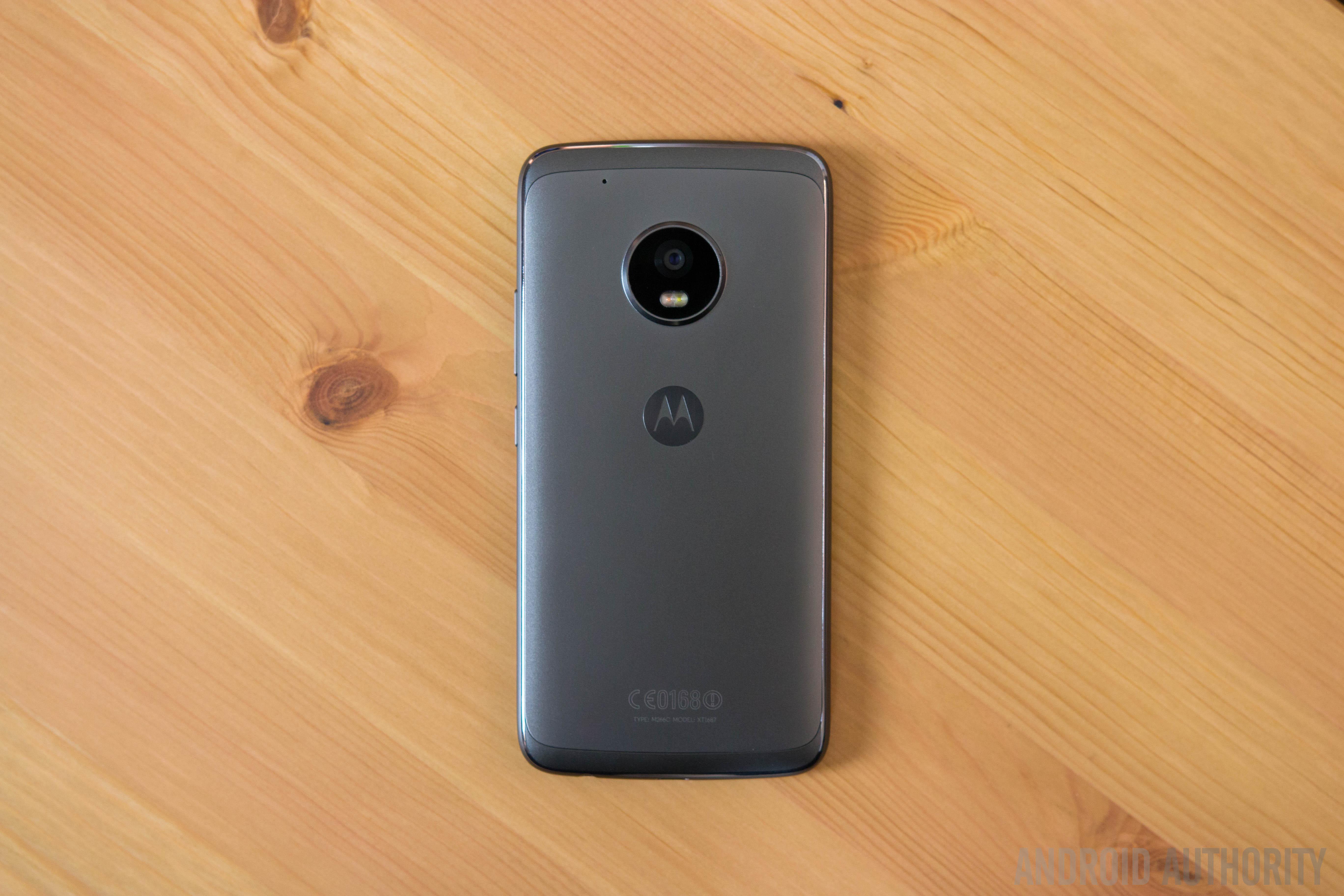 Обзор бюджетного телефона Moto G5 Plus
