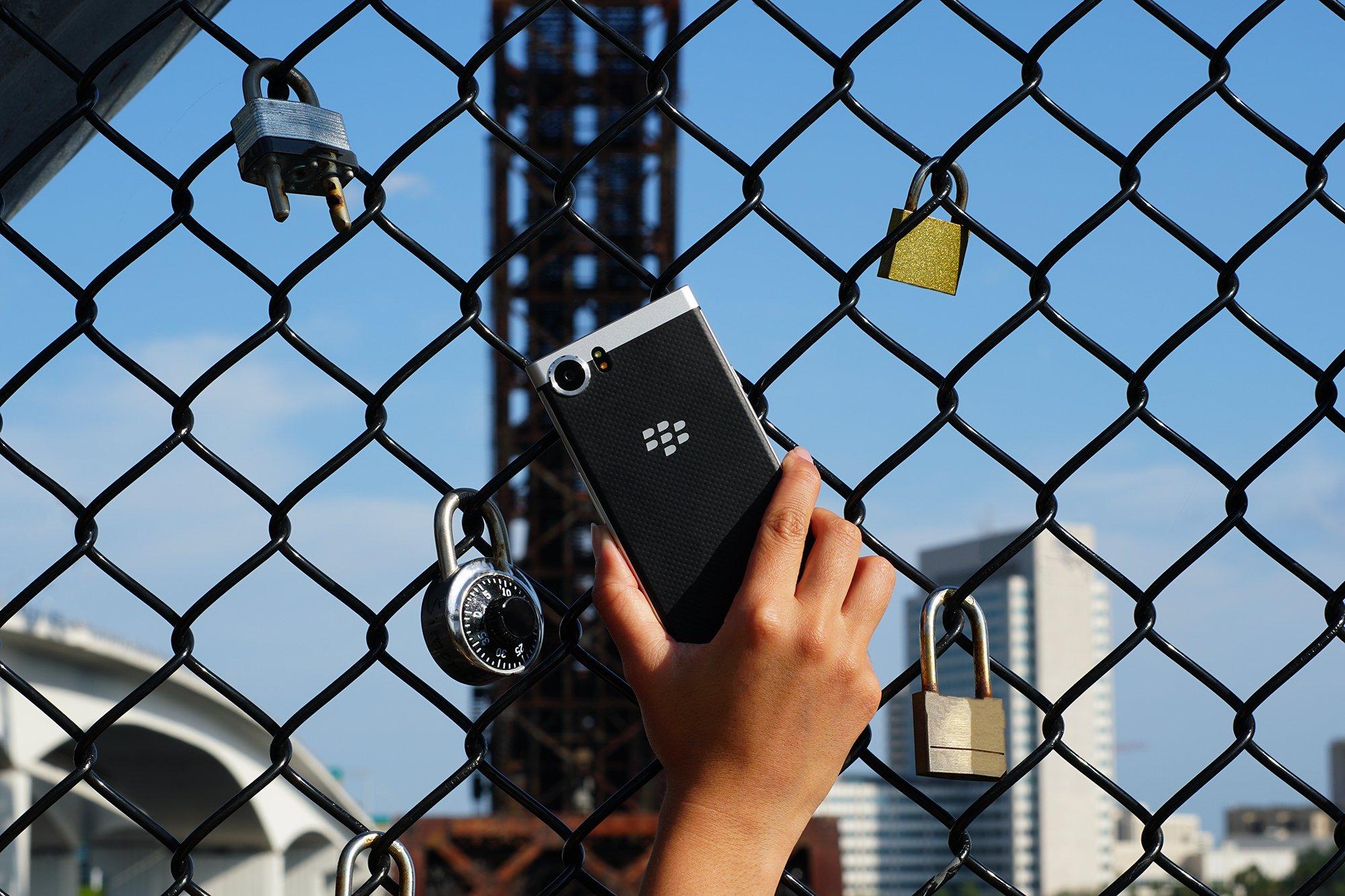 Продажи BlackBerry KEYone в США и Канаде стартуют в конце мая