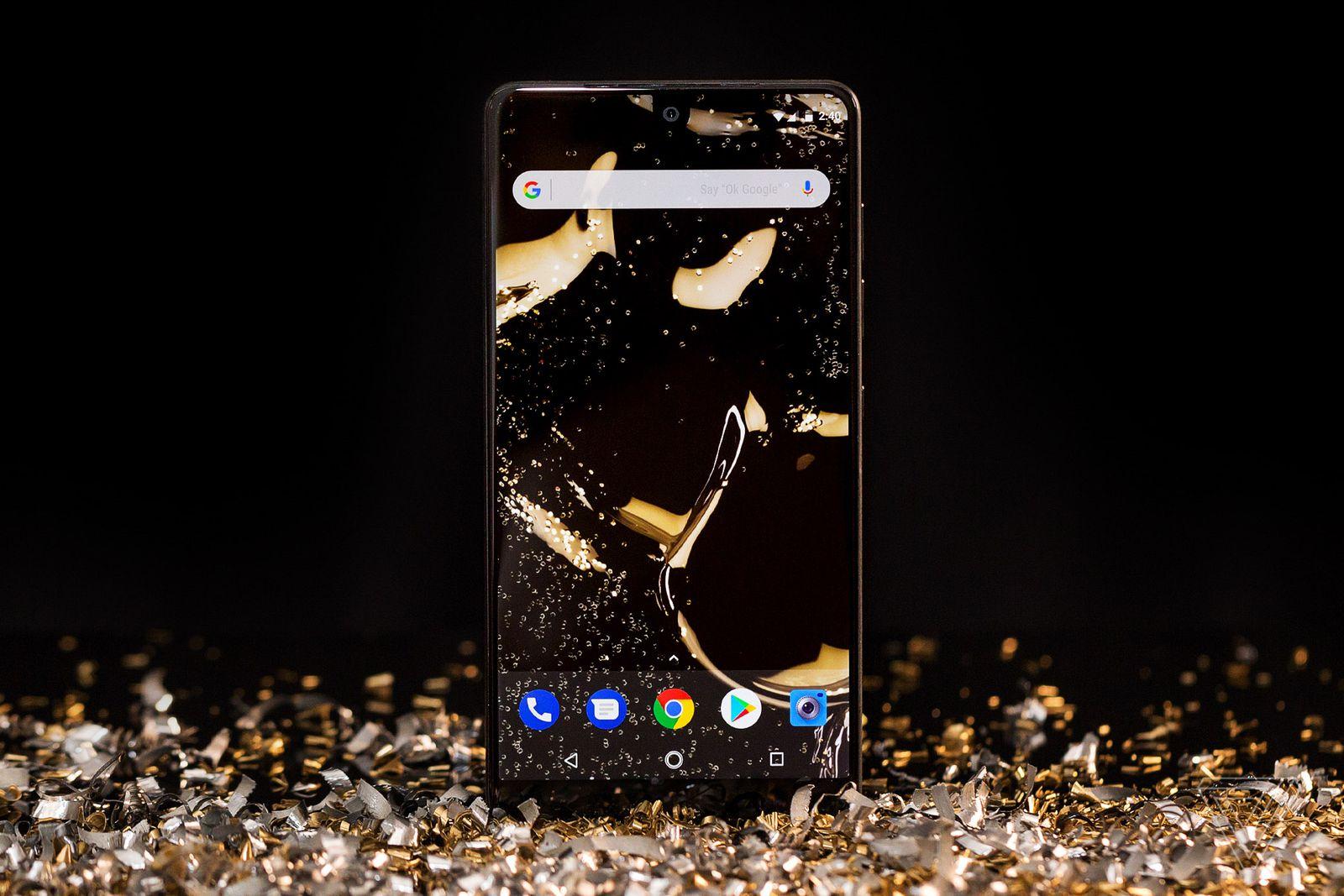Все предустановленные обои Essential Phone