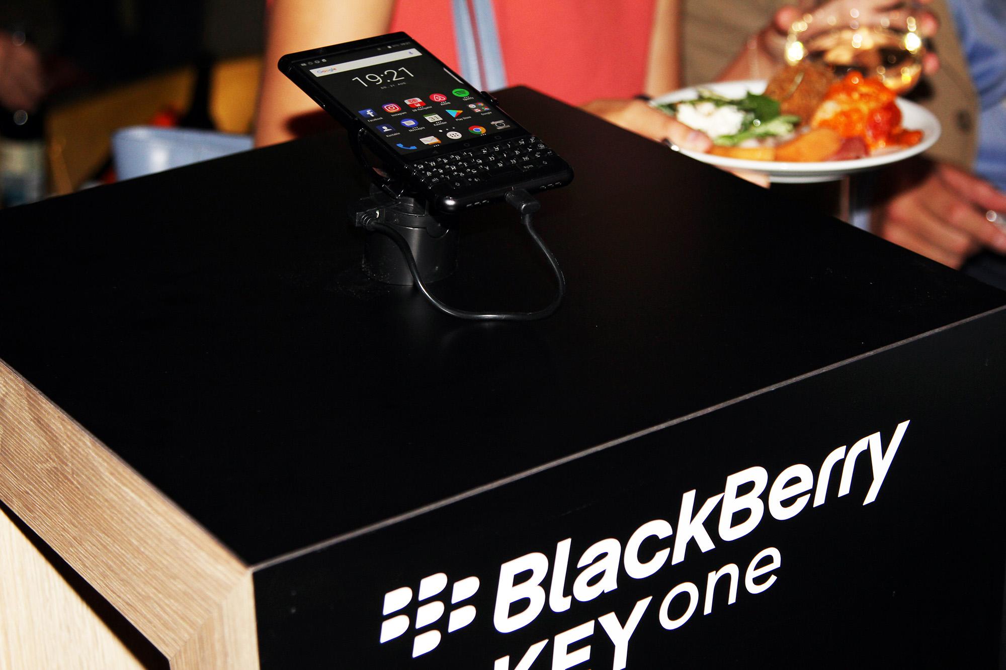 BlackBerry KEYone Black Edition станет доступен в Европе, Азии, на Ближнем Востоке и в Северной Америке