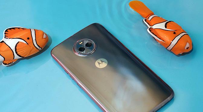 Первое знакомство с новым Motorola Moto X4